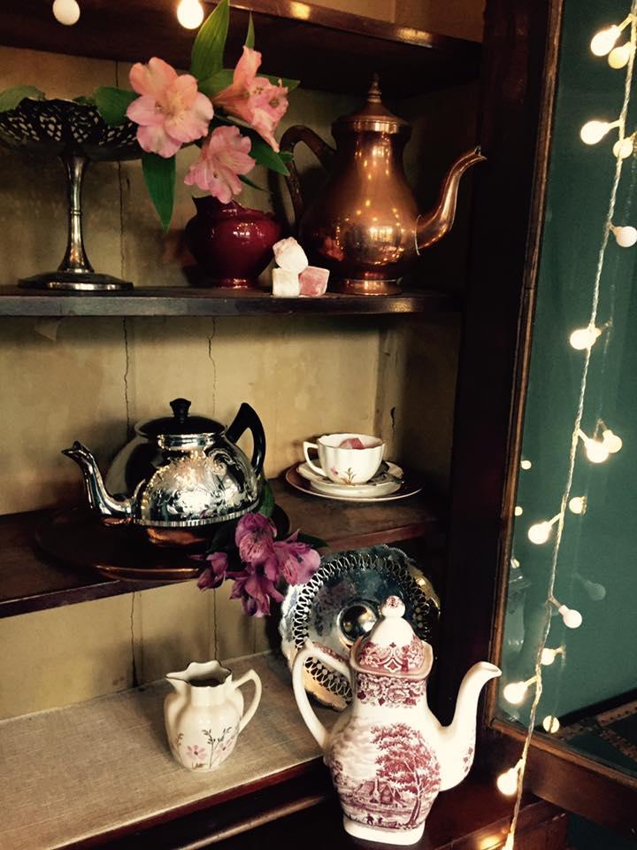 Mixed tea pots £4.00