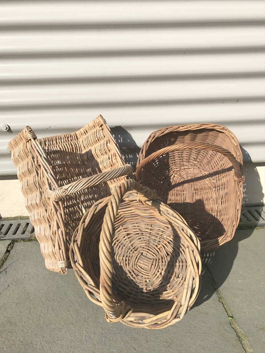 Baskets with handles £4.00