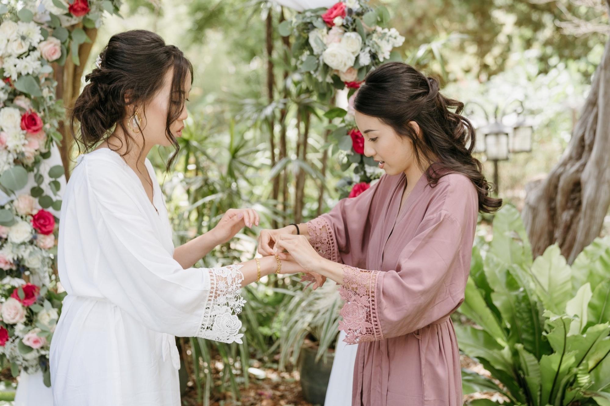 008_Shawna and Steve's Wedding-28_diego_botanical_garden_getting_ready_san.jpg