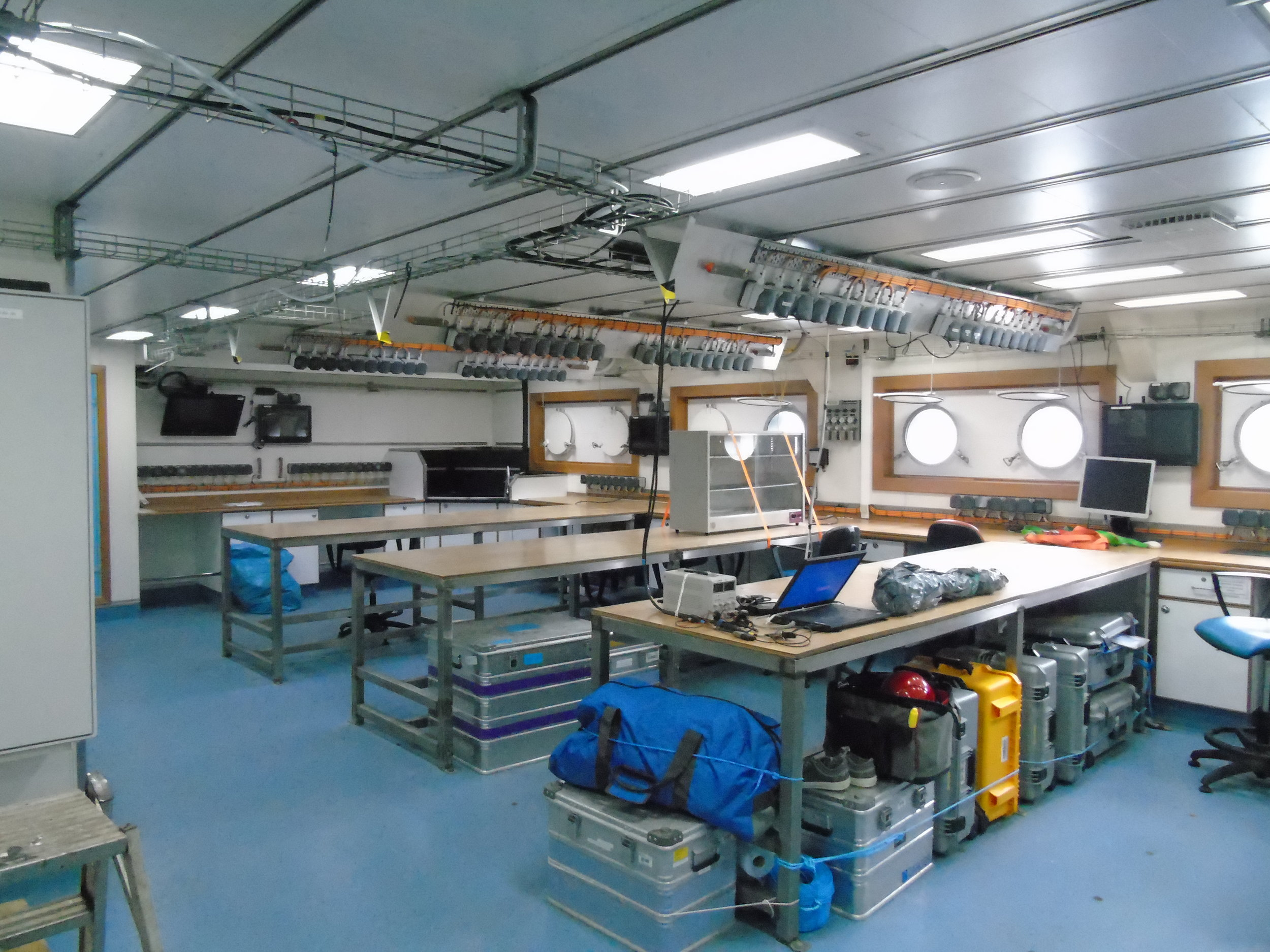 The wet lab, clean and quiet after being filled with sea birds.
