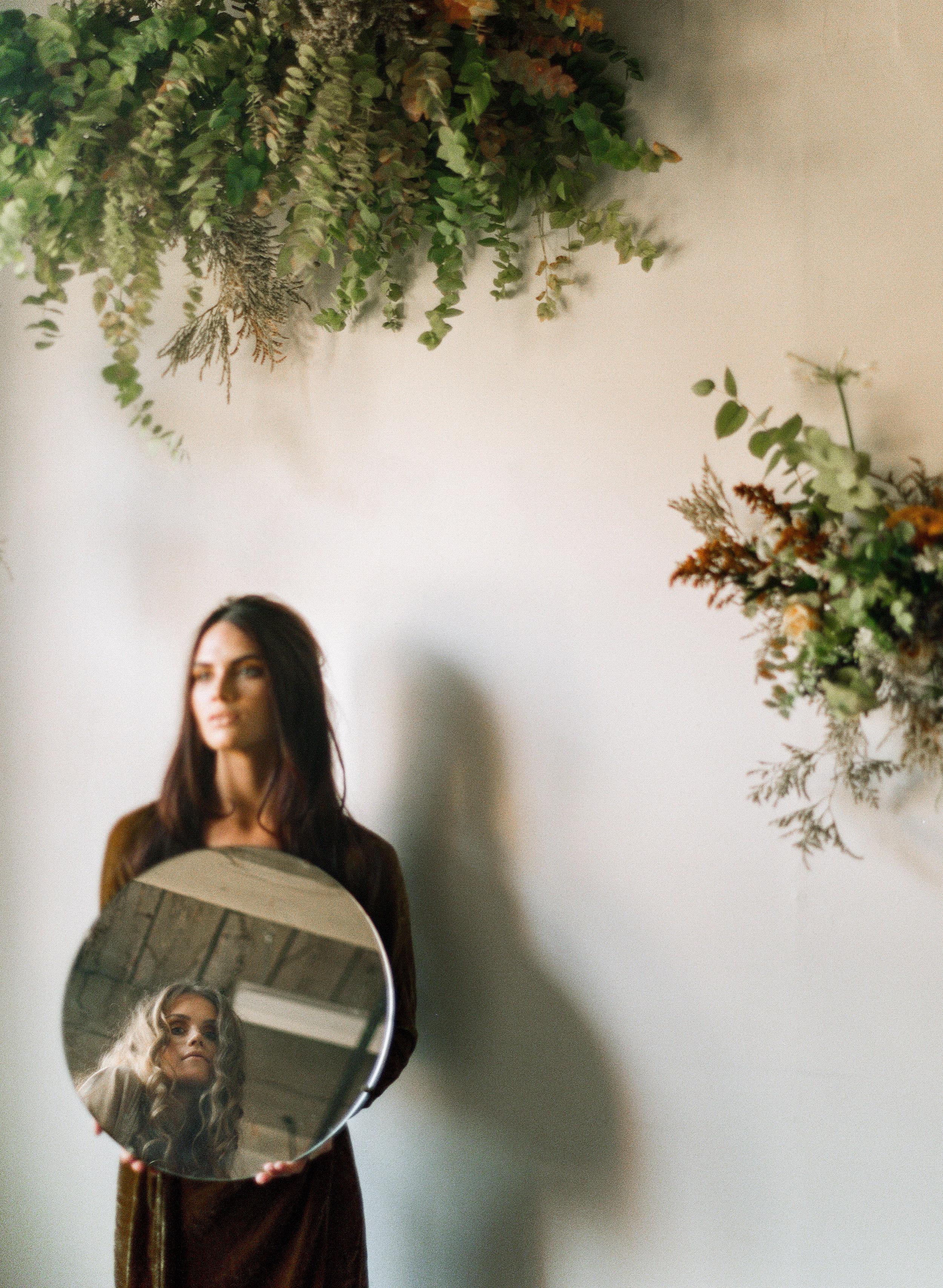 mirror editorial - flowers,art direction