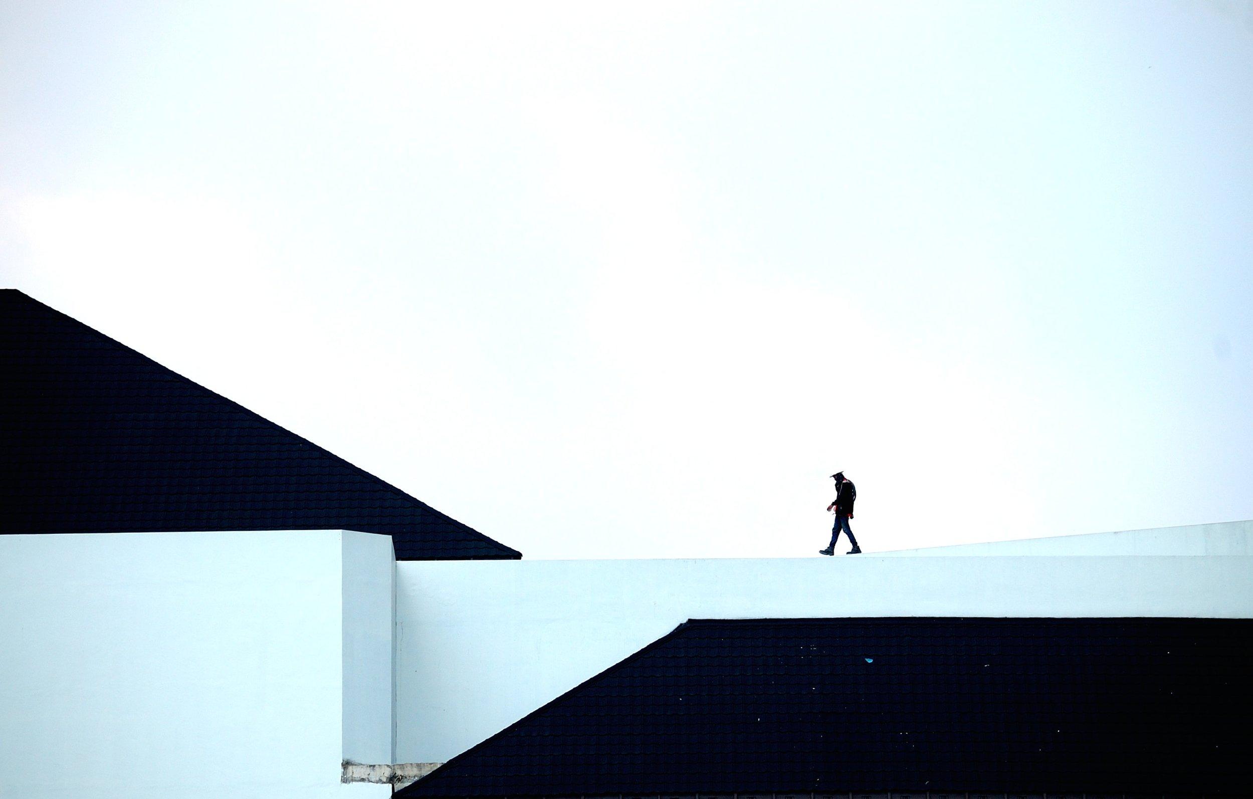 architecture-building-daylight-941245.jpg