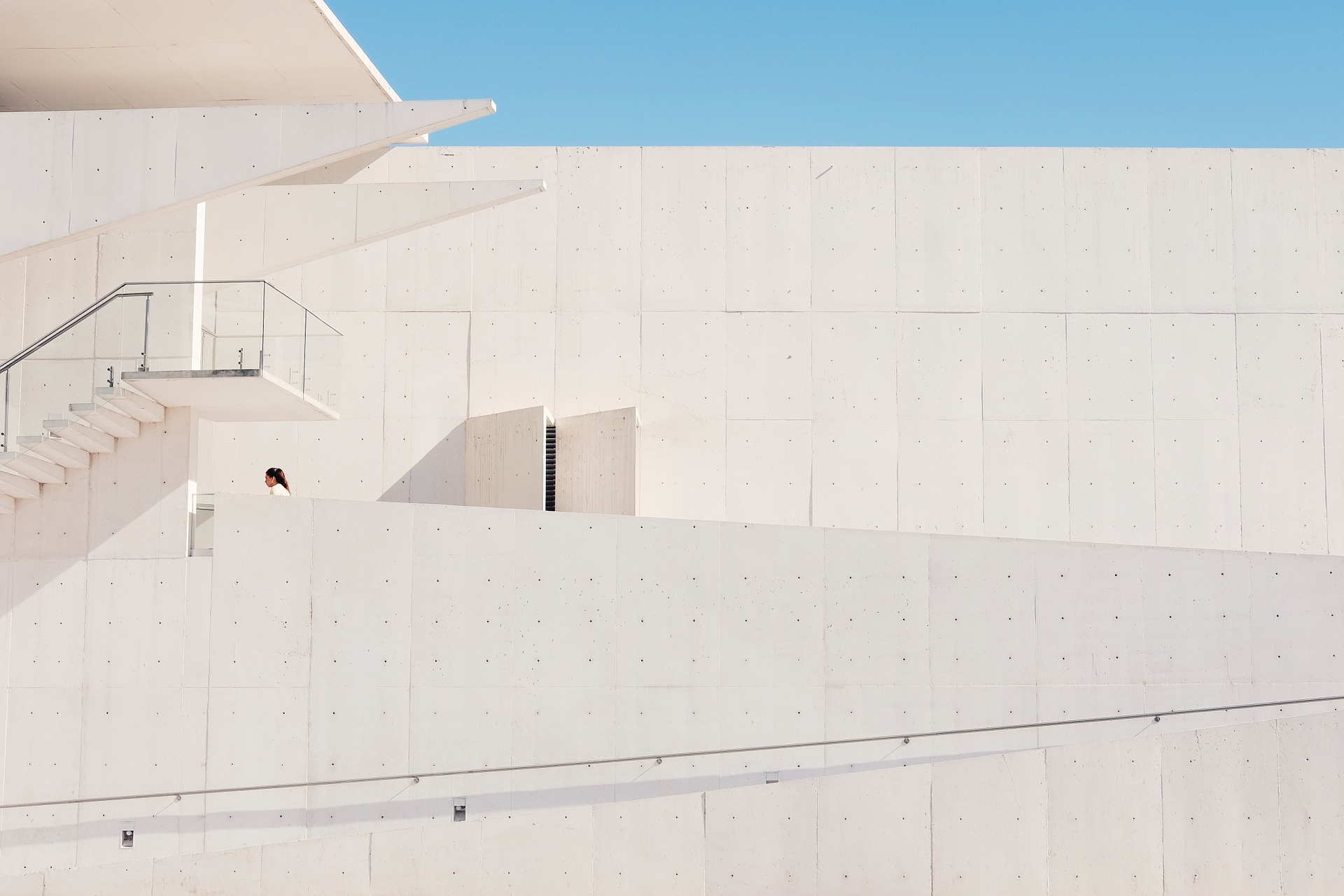 building-1246260_1920.jpg