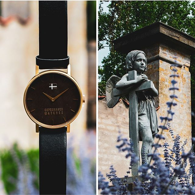 Assistens Cemetery is one of Nørrebro area's most interesting and lush green oases, where both locals and visitors go for a walk.🍃☀️  A great place to feel the Copenhagen collective feeling and a creative inspiration to our Casual watch. . . . #copenhagenwatches #watch #copenhagen #exclusive #danish #design #denmark #time #casual #gold #art #leather #christiania #classic #watches #watchesofinstagram #fashion