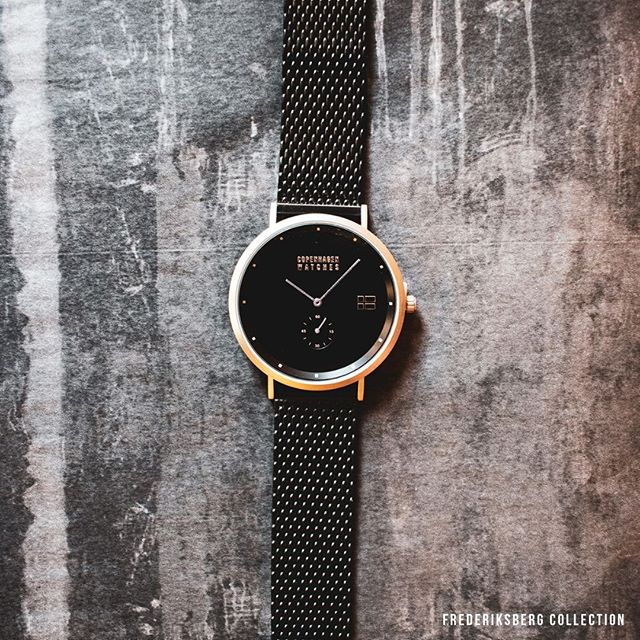 Looking for a new watch? Look no further, our classic Snow is the perfect match for you. ⌚🌠⁠ ⁠ Find our products in our link in bio.✌️⁠ .⁠ .⁠ .⁠ #copenhagenwatches #watch #copenhagen #exclusive #danish #design #denmark #time #snow #silver #art #mesh #frederiksberg #classic #watches #watchesofinstagram #fashion⁠