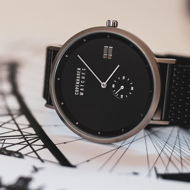 Our Snow is a classic & elegant model that works perfectly to any situation both formal & casual🕶️🖤  Credit // @lyngsoe_photography 📷 . . . #copenhagenwatches #watch #copenhagen #exclusive #danish #design #denmark #time #snow #silver #art #mesh #frederiksberg #classic #watches #watchesofinstagram #fashion