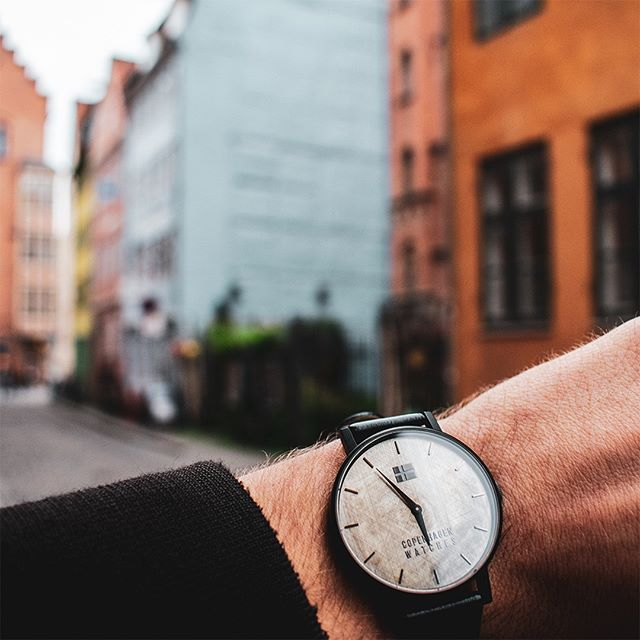 Friday mood 🍂⌚️  We love spending our days in the streets of Copenhagen! How about you?  You can find our collection of Christiania watches in our link in bio 👈 . . . #copenhagenwatches #watch #copenhagen #exclusive #danish #design #denmark #time #casual #gold #art #leather #christiania #classic #watches #watchesofinstagram #fashion