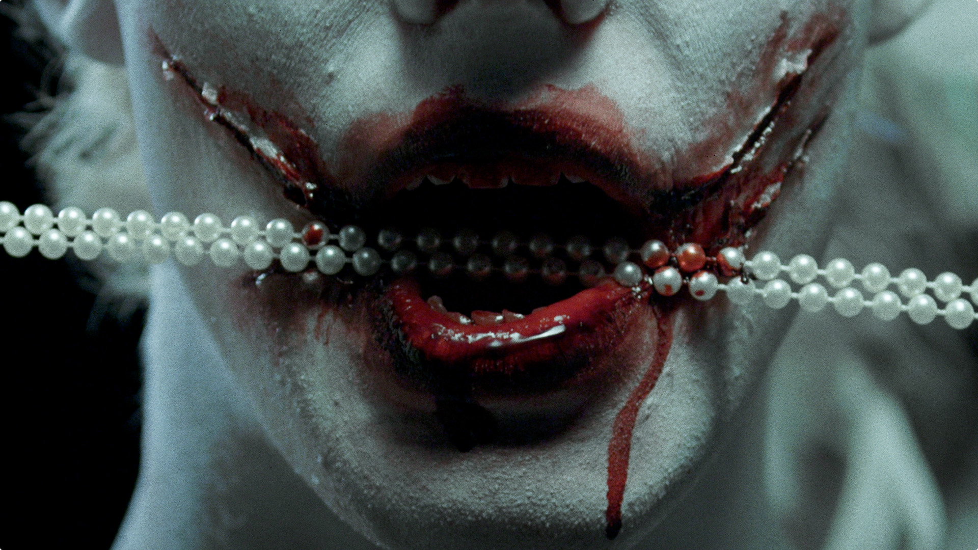phagia_mouth_extreme_cl_pearls.jpg