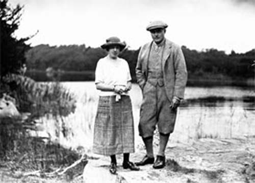 Maud Bowers Bourn Vincent and her husband Arthur Rose Vincent, image Muckross House Research Library