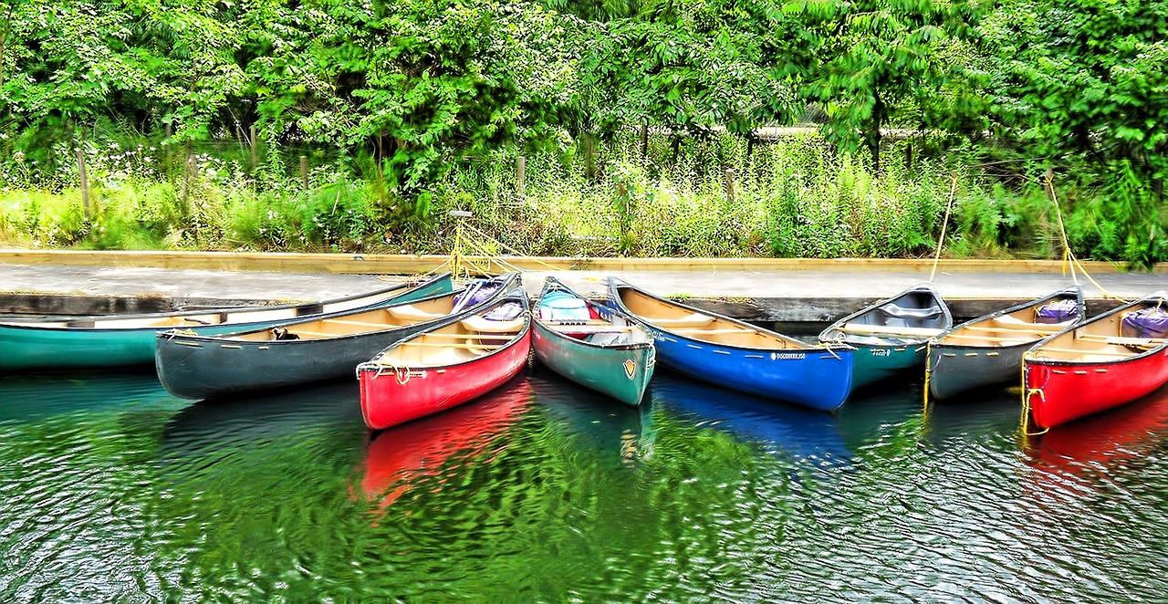 canoe-63457_1280.jpg