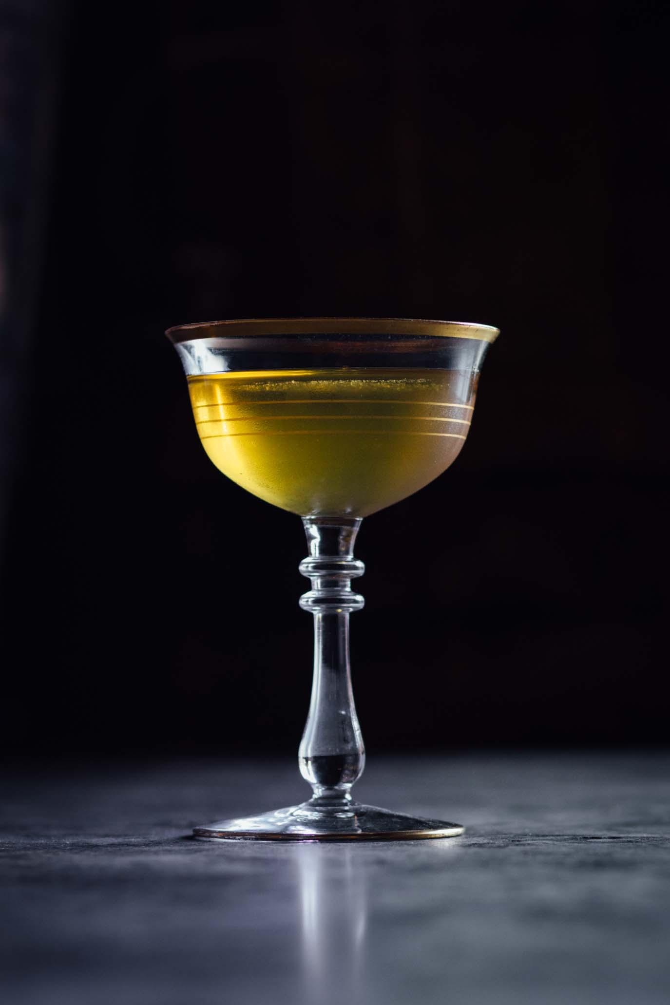 whiskey_cocktail_gold.jpg