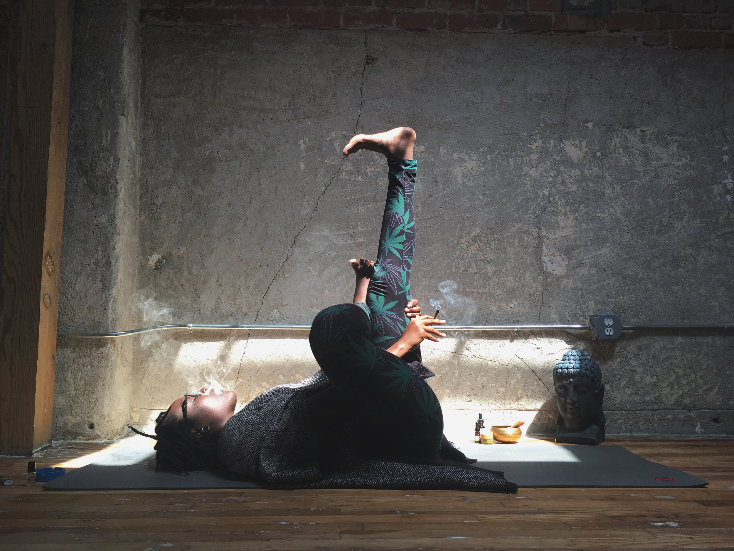 free online yoga classes - light up and share your yoga practice with me from the comfort of home
