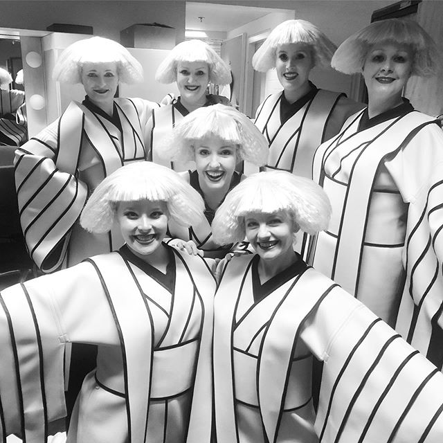 Back stage with a few of my Geisha Ladies on the last performance of @operaaustralia Madama Butterfly at the @sydneyoperahouse 🎶🦋 . . . #opera #puccini #madamabutterfly #sydneyoperahouse #operaaustralia #geisha #costume #ladies #soprano #mezzosoprano #blackandwhite #backstage #stage