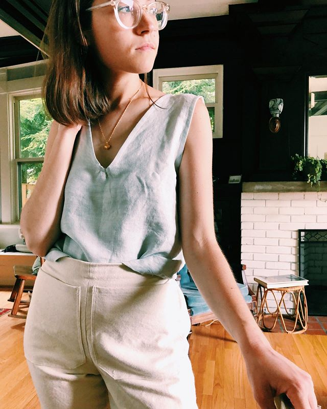 had to whip up this quick linen tank from some remnant fabric because it is HOT HOT HOT 🔥🔥🔥 #allwellprocess