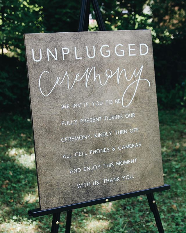 I am so excited to offer this beautiful sign as a rental soon! It's such a clean and simple way to ask your guest to stay off the phones during your ceremony and allow your photographer to capture your moment as well as your guests emotions.▫️ . . What do you think?