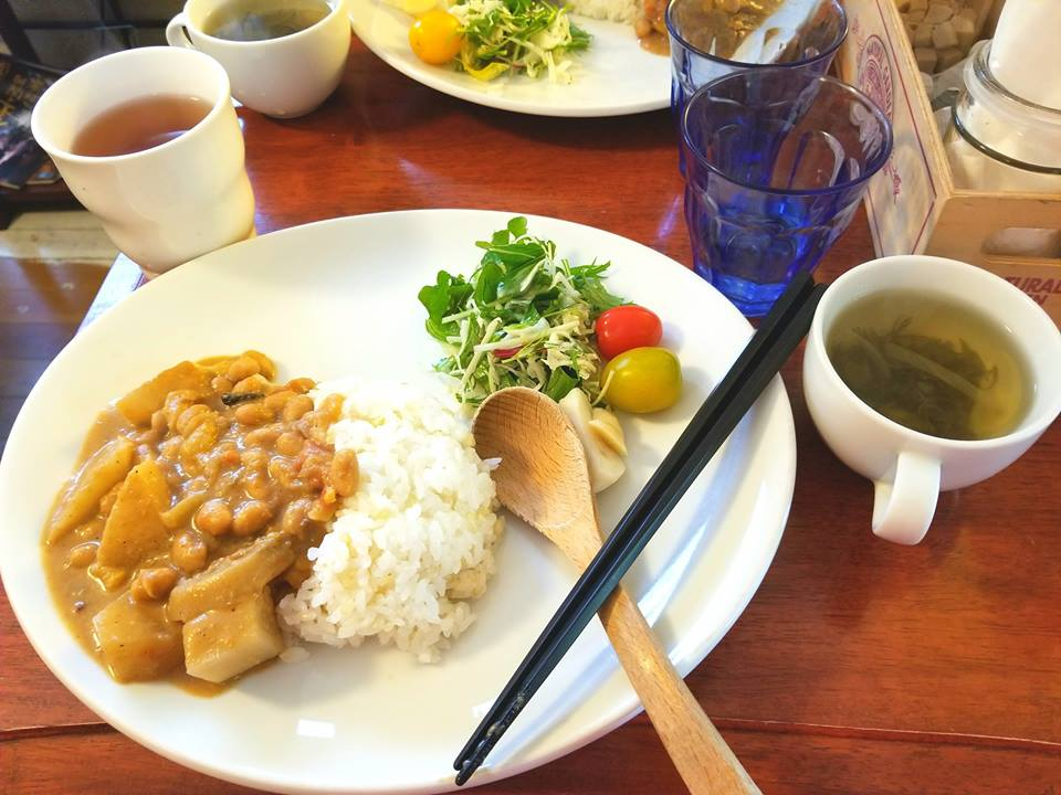 uprooted-traveler-nomin-cafe-vegan-guide-to-tokyo-curry-set