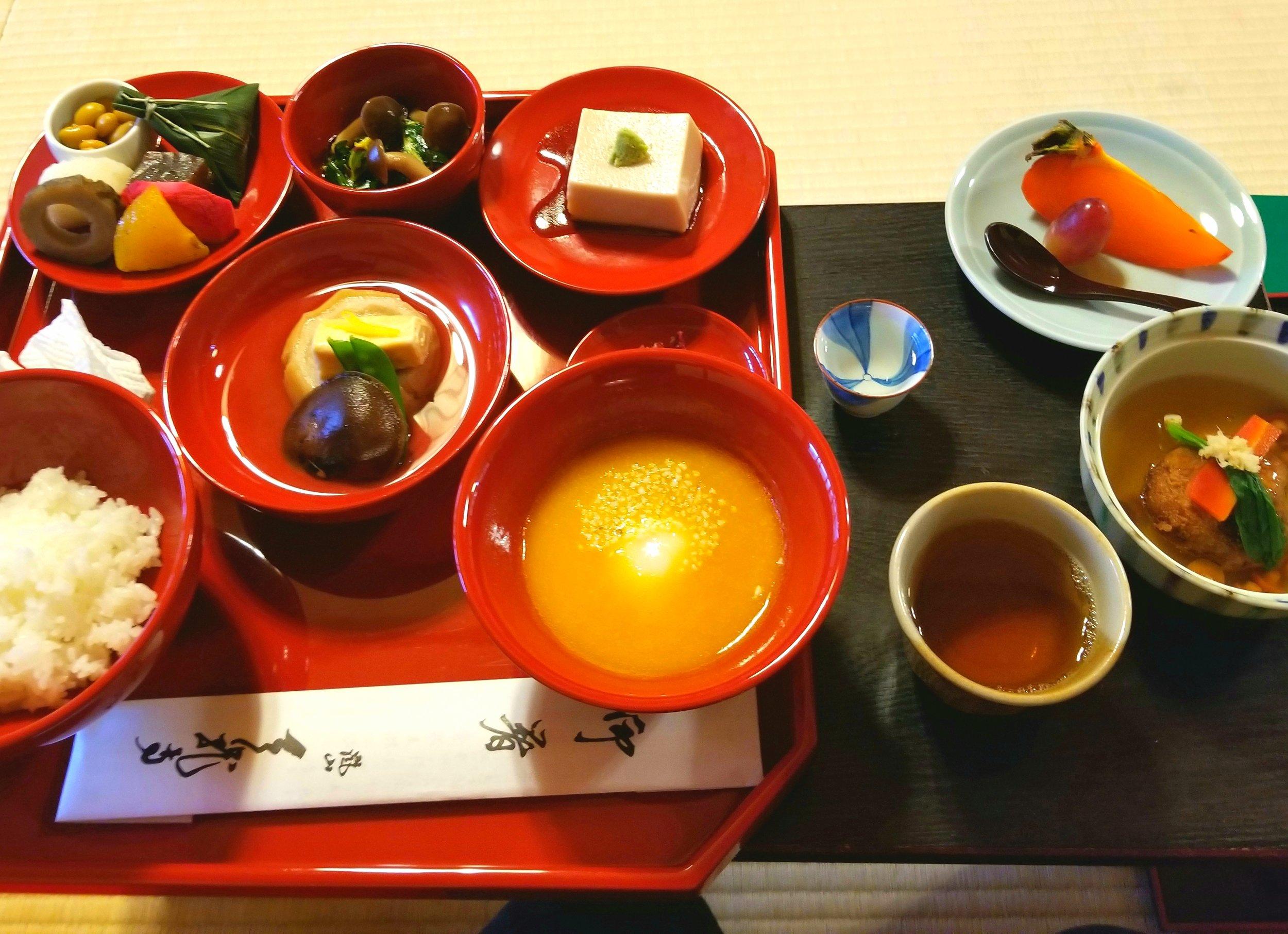 uprooted-traveler-shigetsu-vegan-guide-kyoto-tenryu-ji-templejpg
