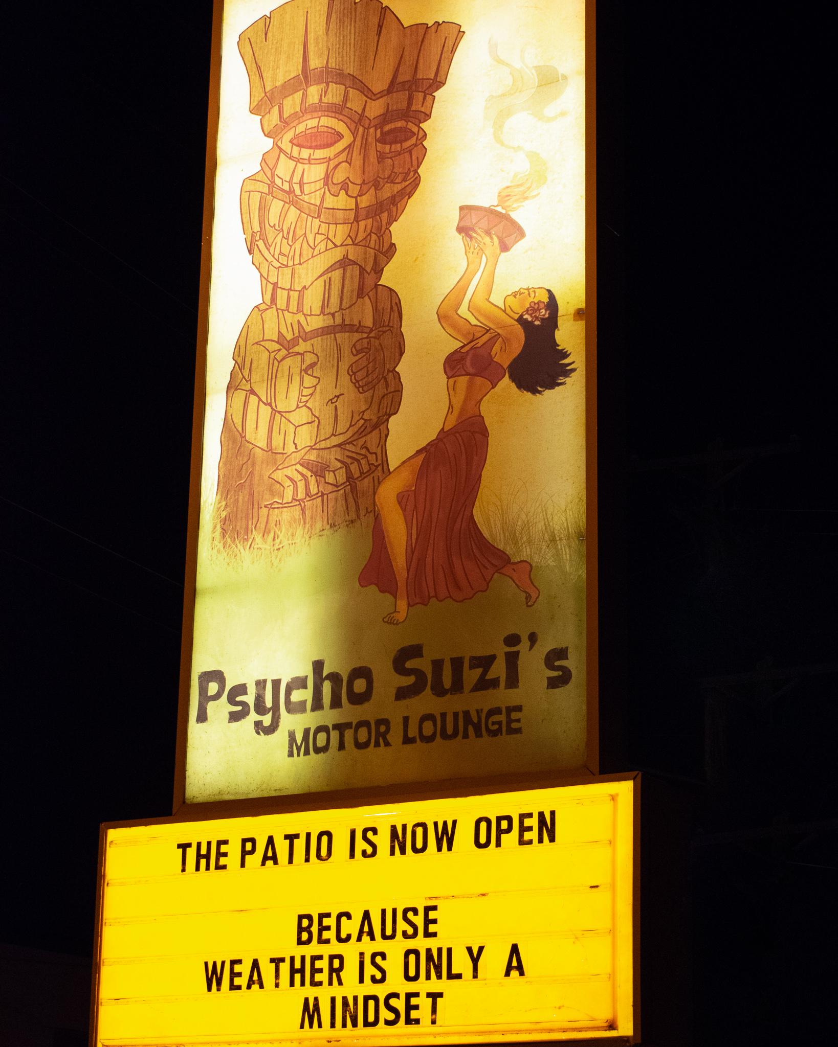 uprooted-traveler-psycho-suzis-minneapolis-st-paul-tiki-sign-motor-lounge.jpg
