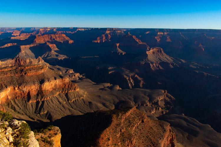 uprooted-traveler-arizona-grand-canyon-yavapai-point-sunrise.jpg