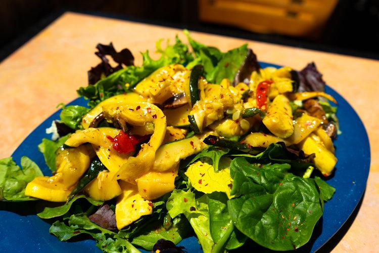 uprooted-traveler-grand-canyon-yavapai-lodge-restaurant-grilled-veggie-salad-vegan (1).jpg