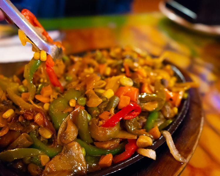 uprooted-traveler-page-arizona-vegan-road-trip-fiesta-mexican-restaurant-fajita.jpg
