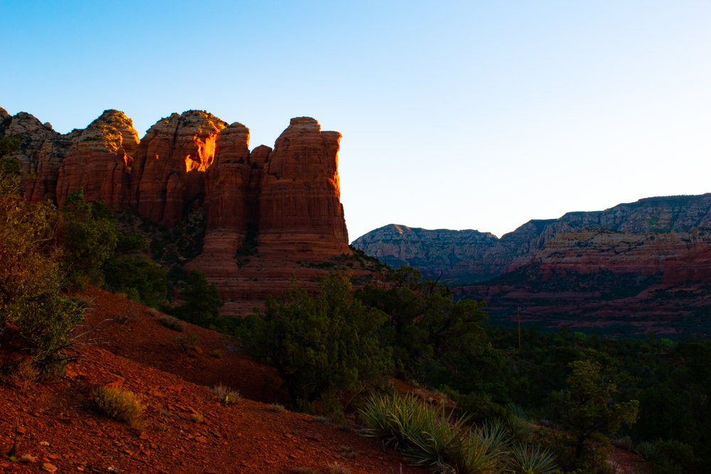 uprooted-traveler-arizona-coffeepot-sedona-arizona-vegan-road-trip-sugarloaf-loop-trail.jpg