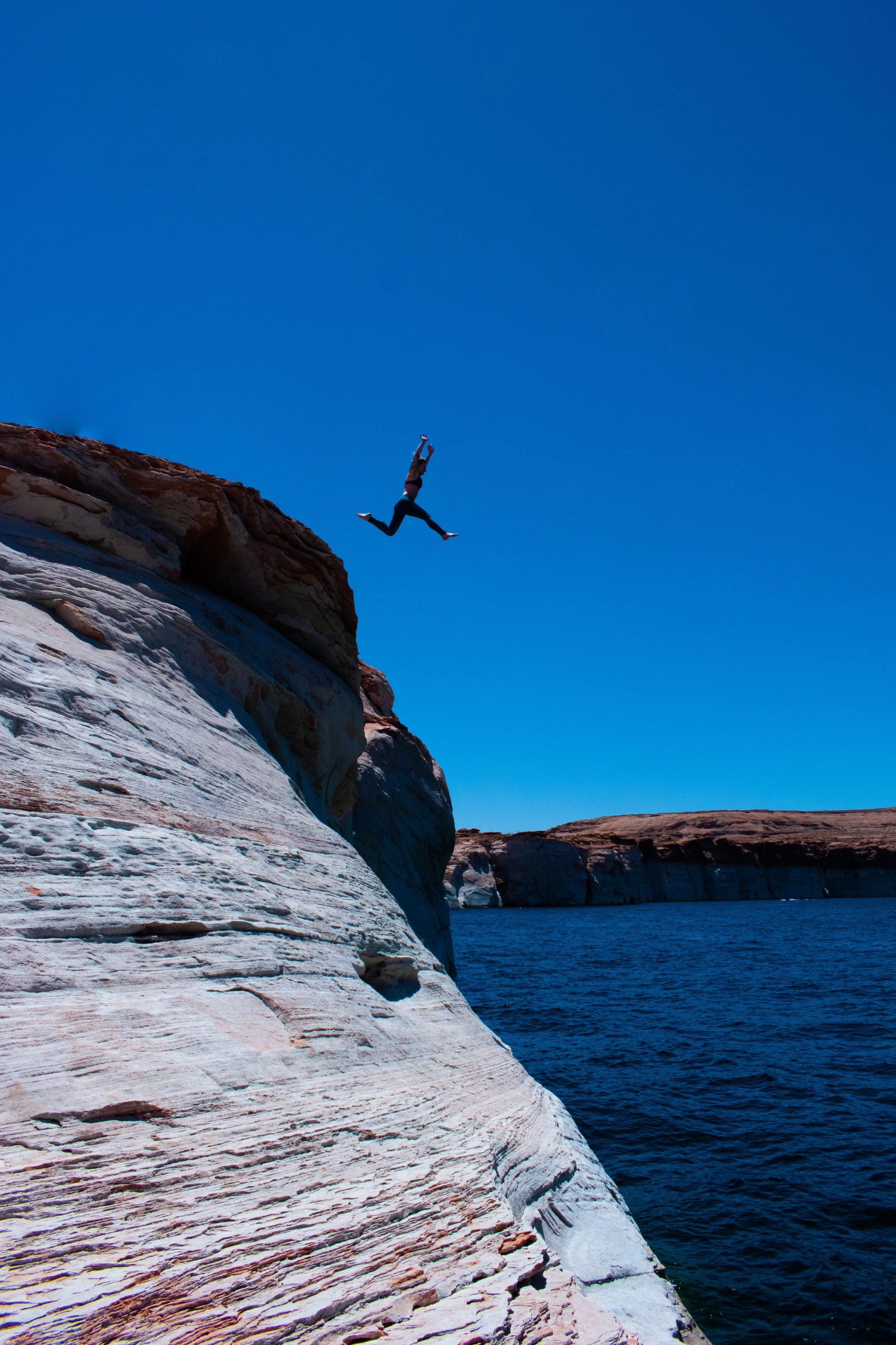 uprooted-traveler-arizona-grand-canyon-road-trip-water-shoes.jpg