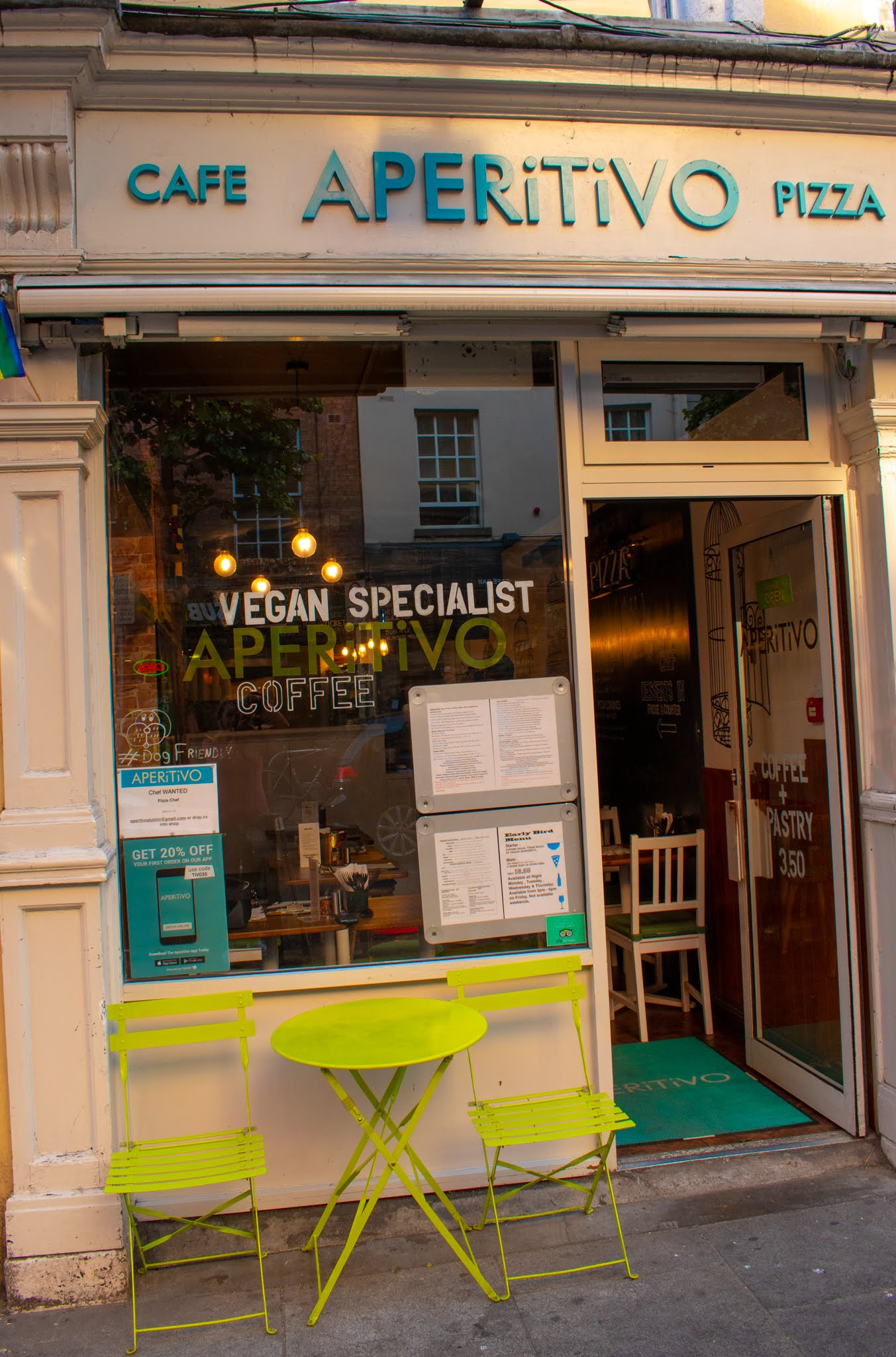 uprooted-traveler-dublin-vegan-guide-caffe-apertivo-breakfast-ireland.jpg