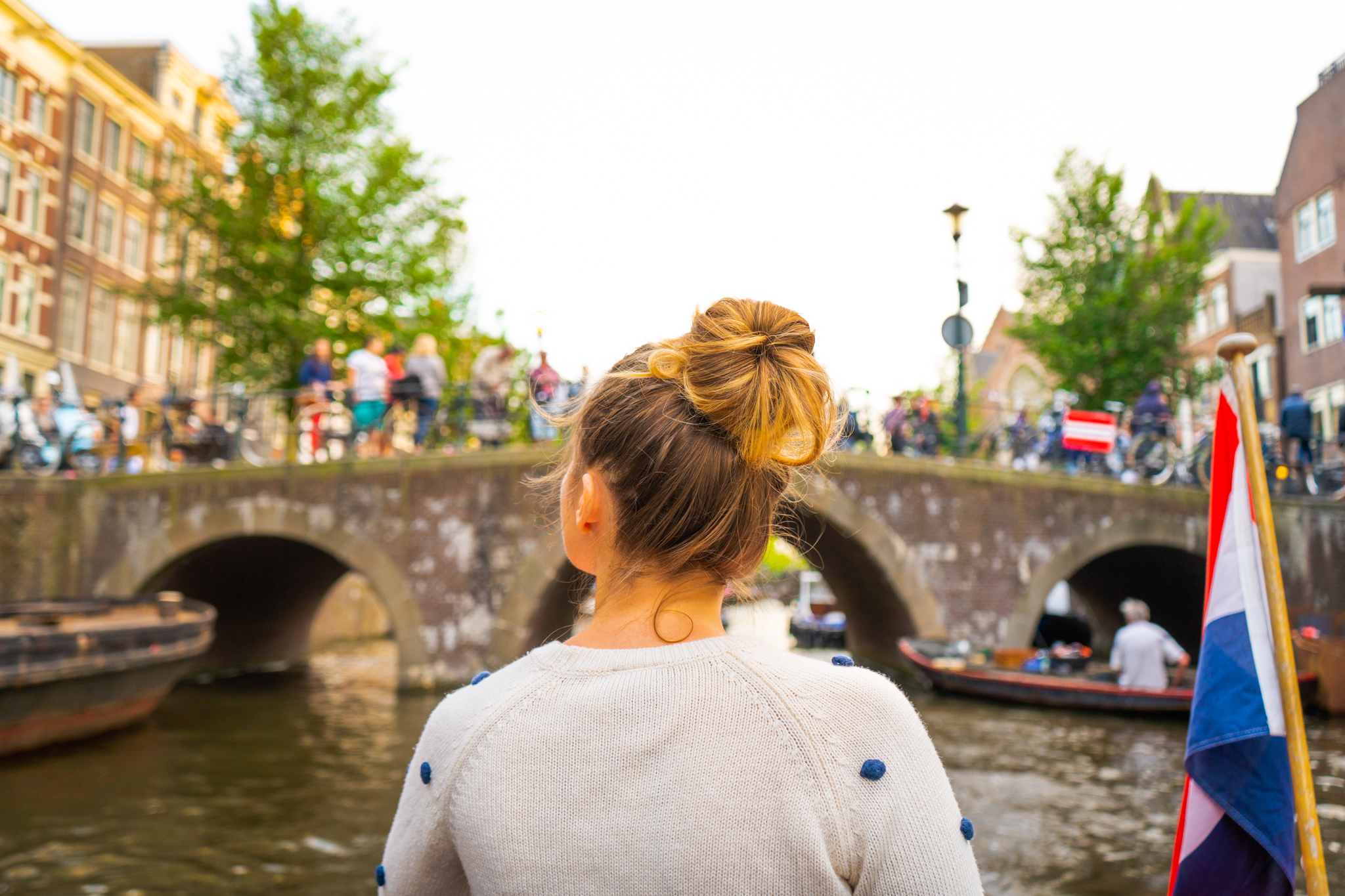 Uprooted-Traveler-Amsterdam-canal-boat-cruise-blue-vegan-guide.jpg