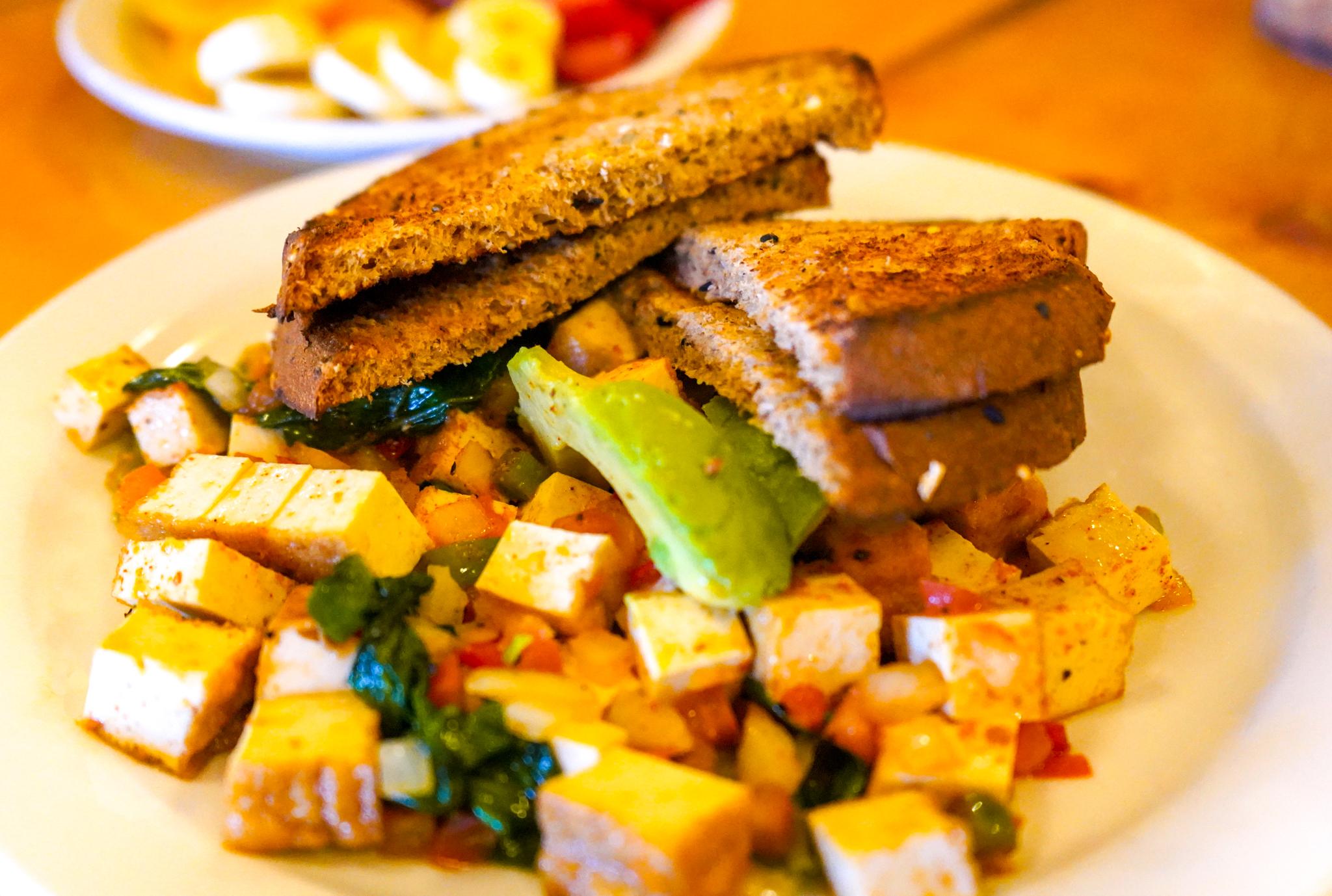 Uprooted-Traveler-rocky-mountain-national-park-tofu-scramble-notchtop-cafe-estes-park-vegan.jpg