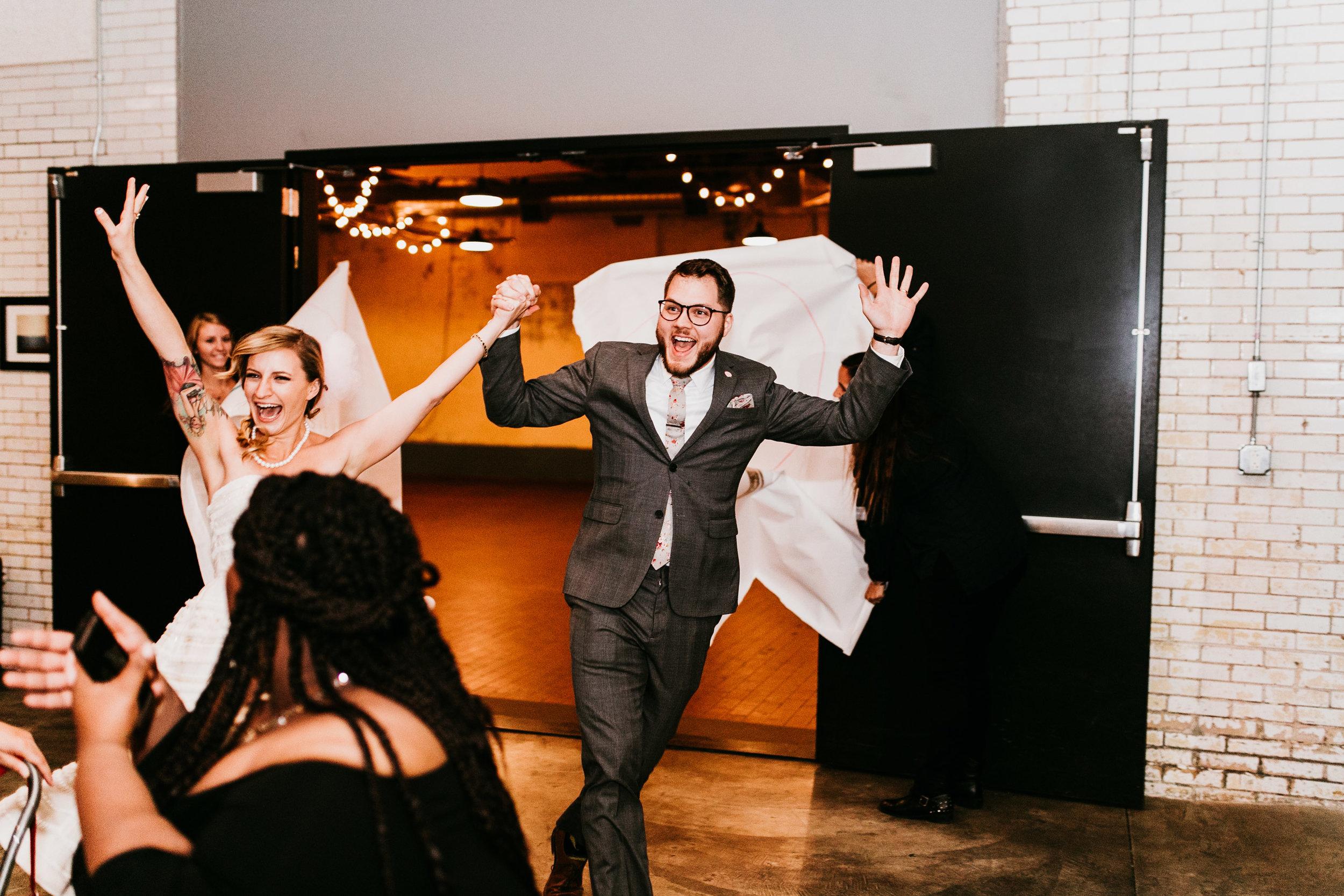 uprooted-traveler-tradditional-vs-vegas-wedding-sign-vegan.jpg