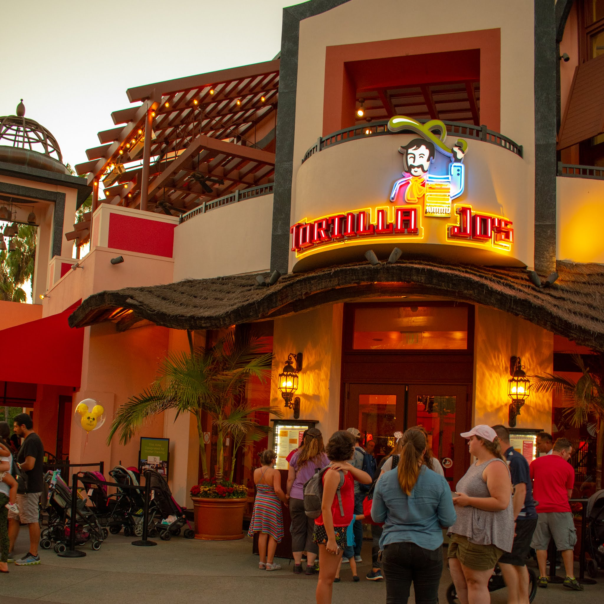 Uprooted-Traveler-Vegan-Disney-Land-tortilla-jo's-mexican-downtown-disney-vegan.jpg
