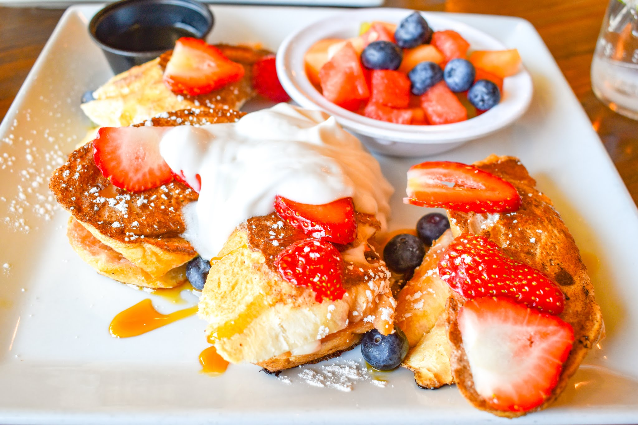 Uprooted-Traveler-Vegan-on-Fremont-Street-Las-Vegas-vegenation-french-toast-brunch.jpg