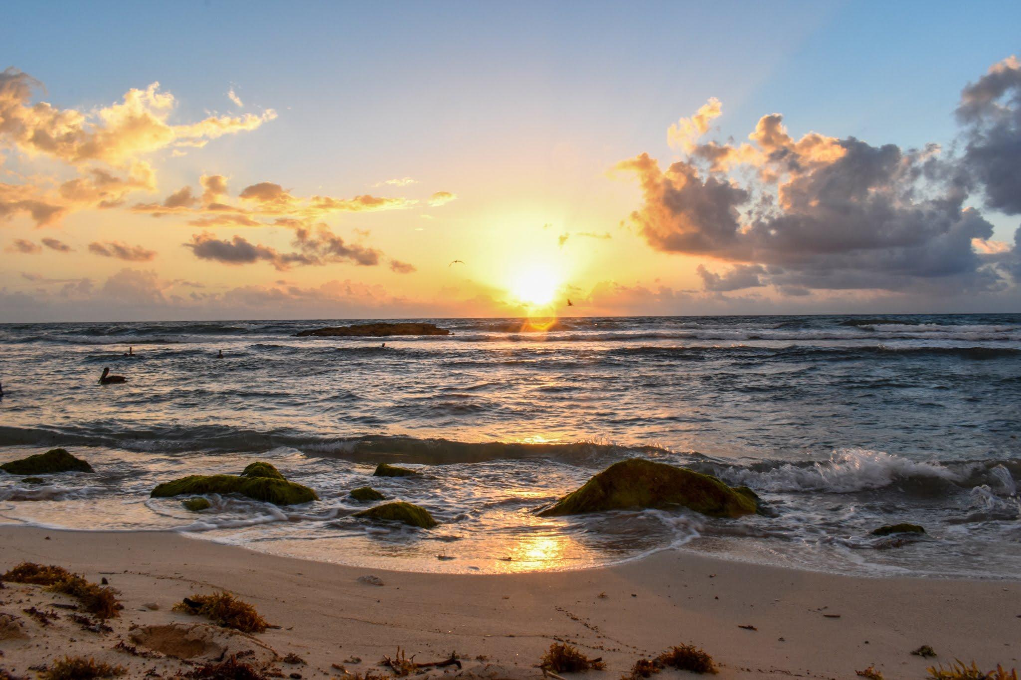 Uprooted-Traveler-Vegan-Weekend-in-Tulum-Mexico-sunrise-beach.jpg