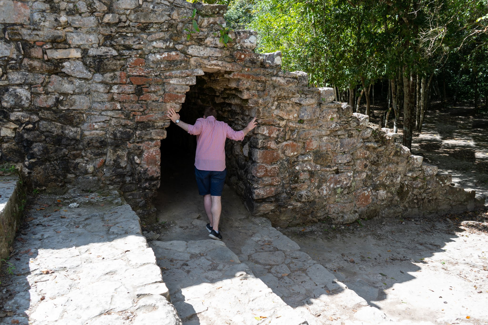 Uprooted-Traveler-Vegan-Weekend-in-Tulum-Mexico-explore-cabo-ruins.jpg