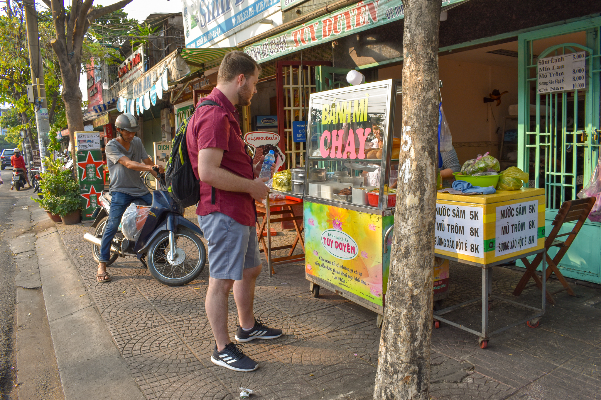 Uprooted-Traveler-Ho-Chi-Minh-Banh-Mi-Tuy-Duyen-vegan-guide-saigon-chay.jpg