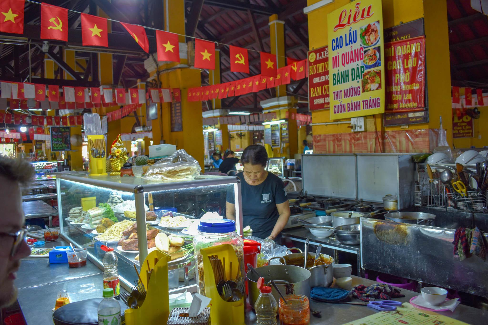 uprooted-traveler-ms-lieu-central-market-hoi-an-vegan-bahn-mi-chay.jpg