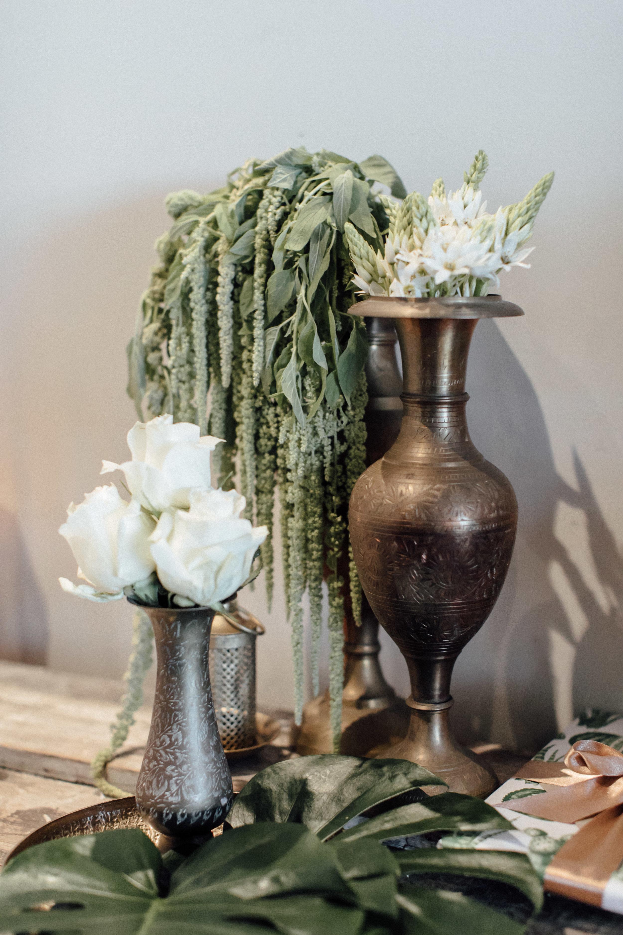 Styling & Florals; LUNAR & FOX