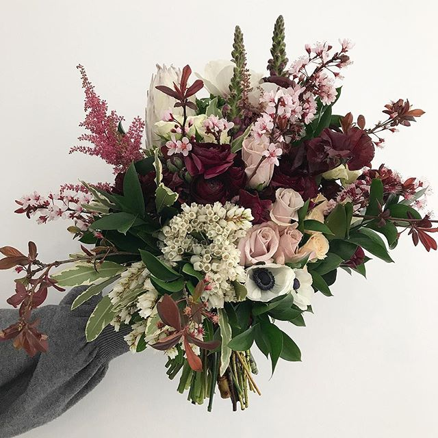 . . . . . . #prophire #styling #floraldesign #floristry #flowers #events #parties #engagements #weddings #sydney #lunarandfox