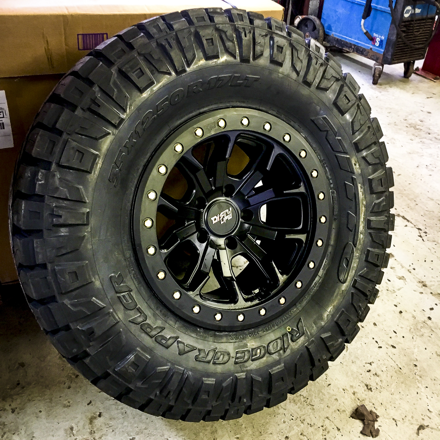 TIRES: Nitto Ridge Grapplers 35x12.50x17. WHEELS: Dirty Life Race 9303's…