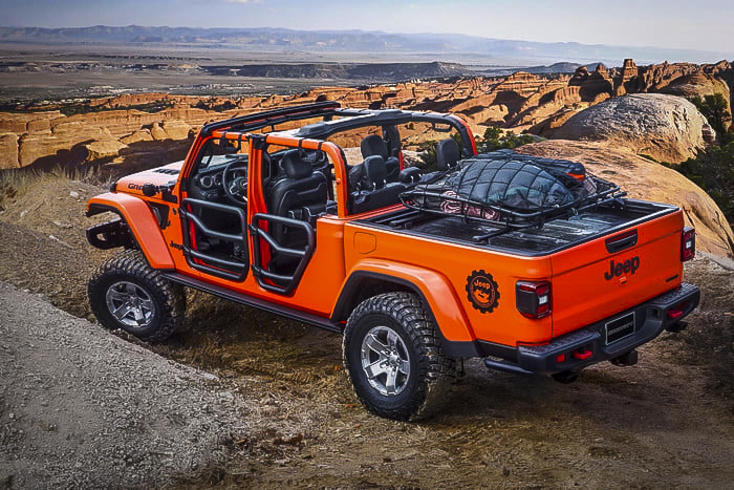 2019-jeep-moab-safari-concepts-13-700x467-c.jpg