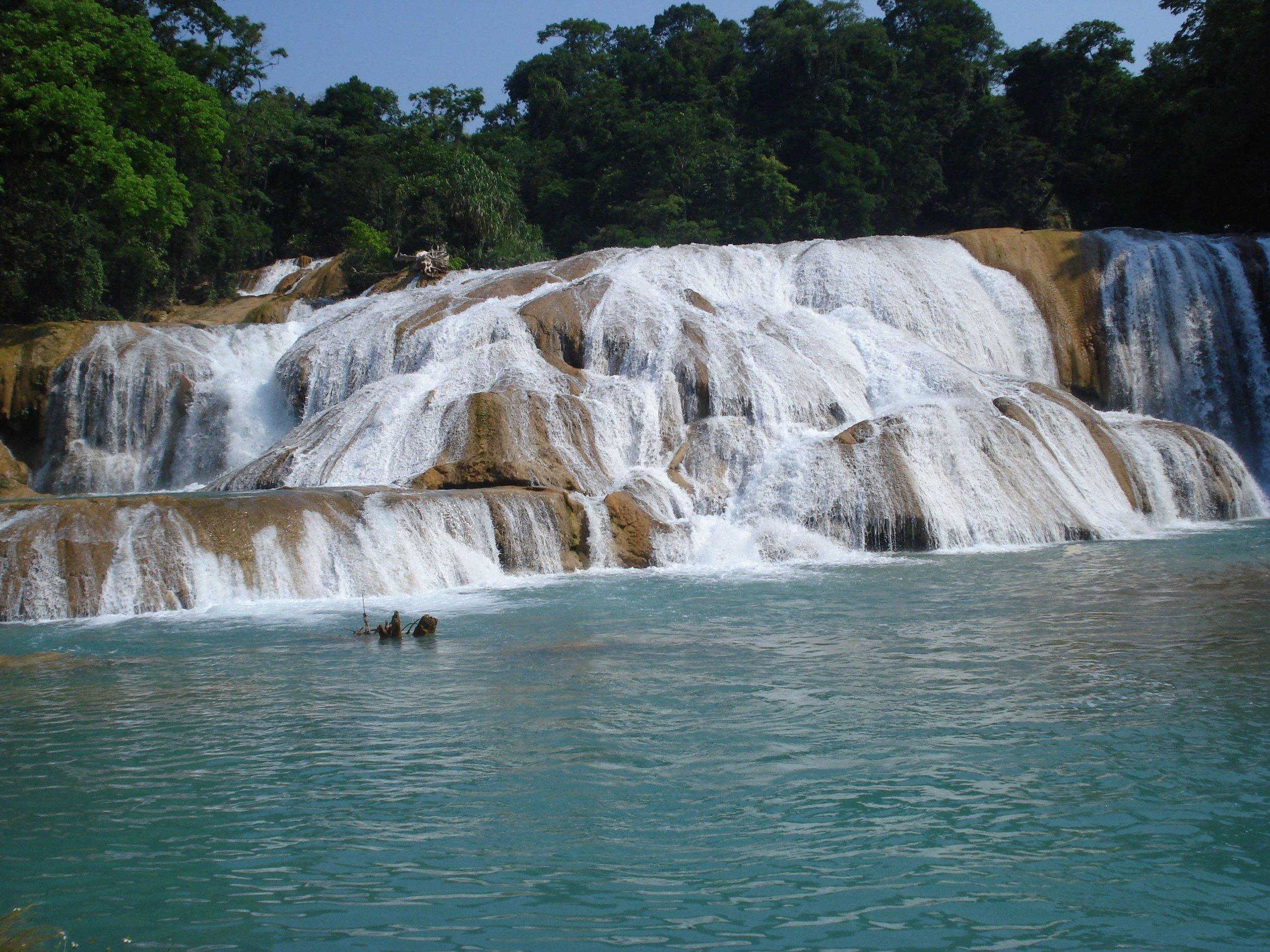 depositphotos_46139717-stock-photo-agua-azul-waterfalls-chiapas-mexico.jpg