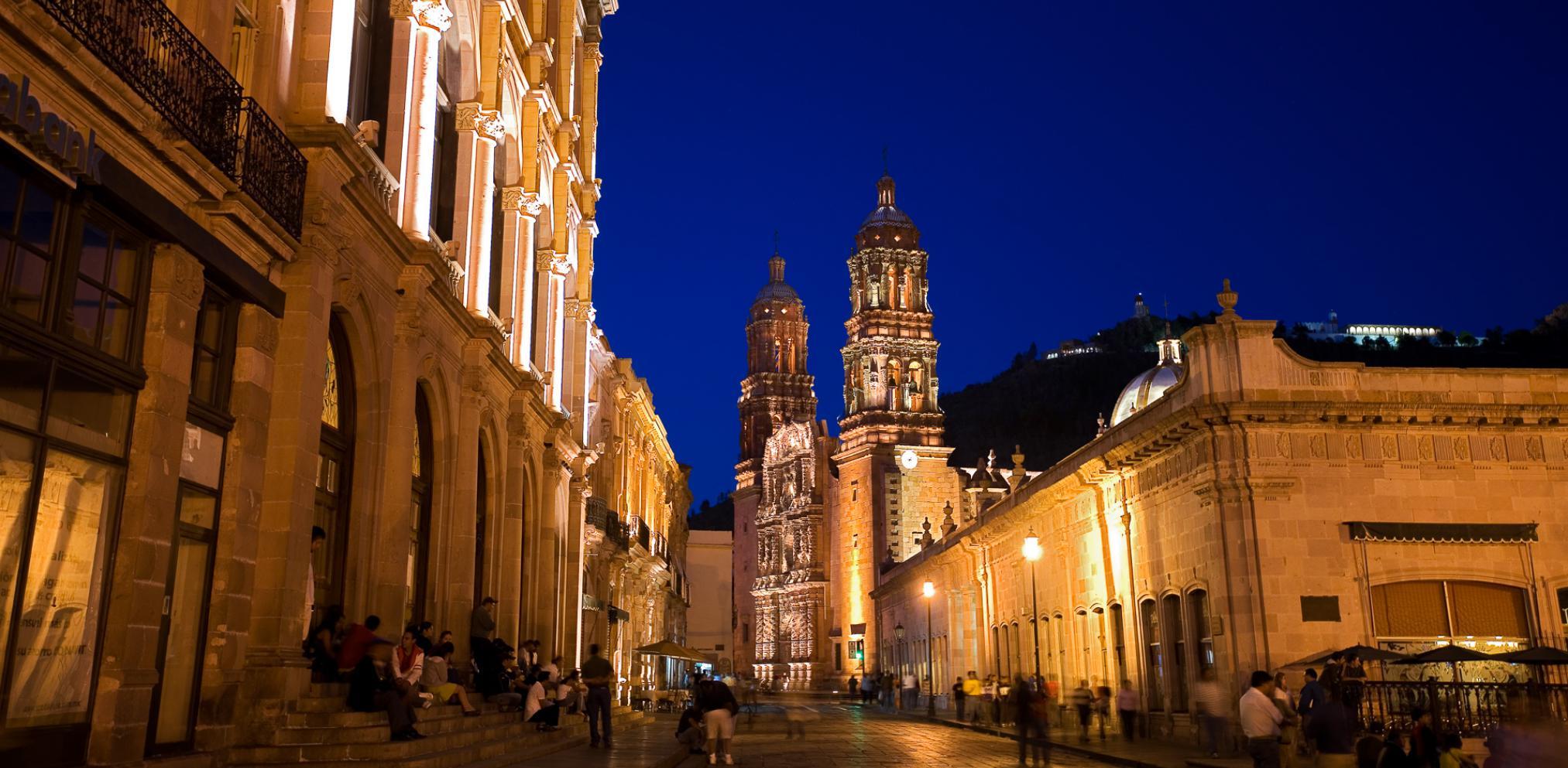 actividades-principales_zacatecas_zacatecas_explora-el-centro-historico-de-la-hermosa-zacatecas_03 (1).jpg