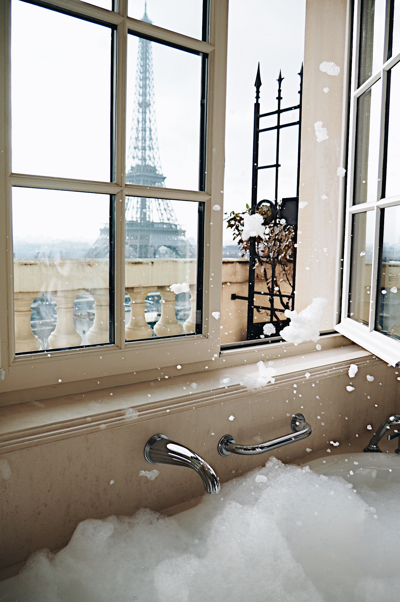Sunday at the Shangri-la Paris - A dreamy at one of Paris' most luxurious hotels