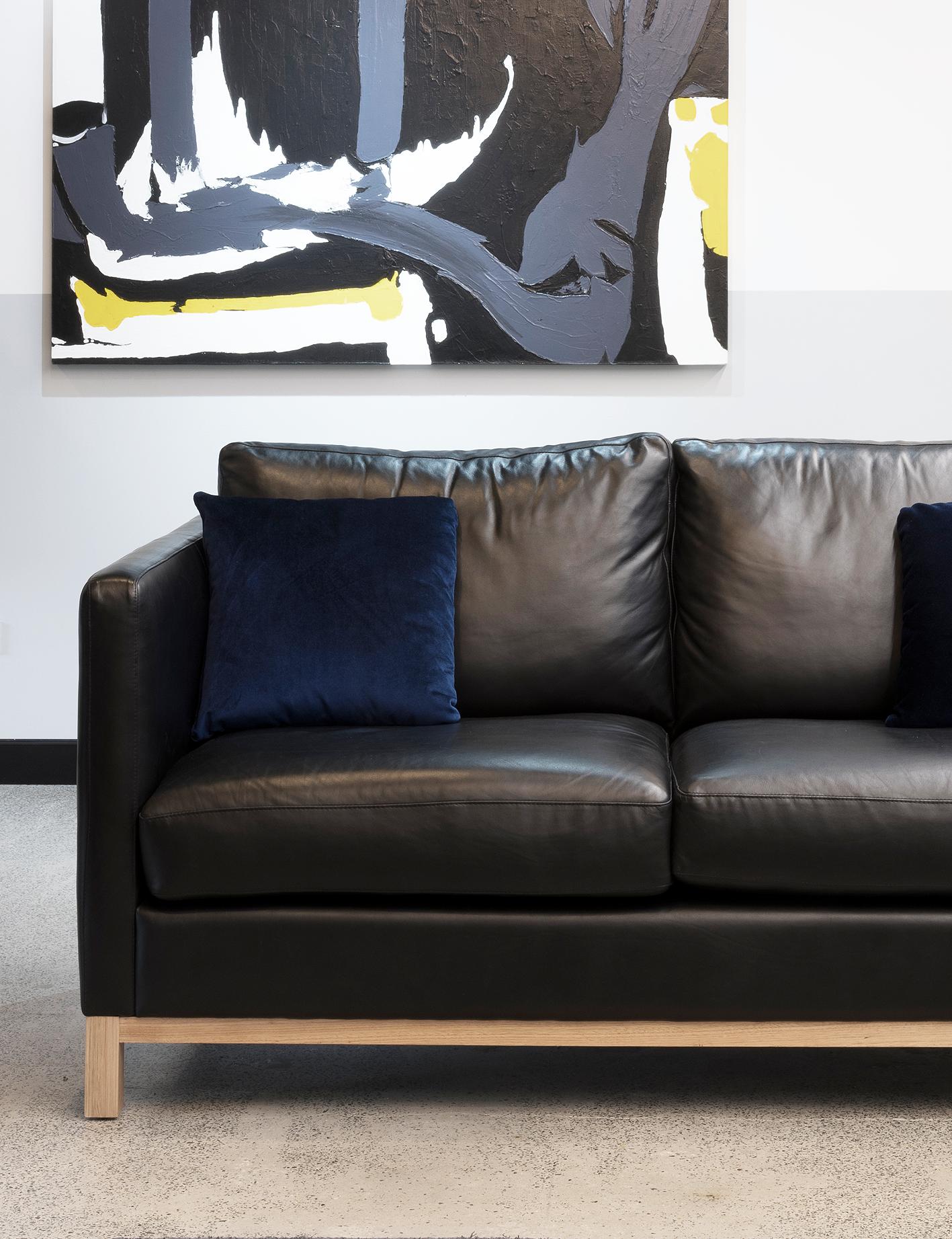 Nero luxe 2 seater – Custom designed / created lounge