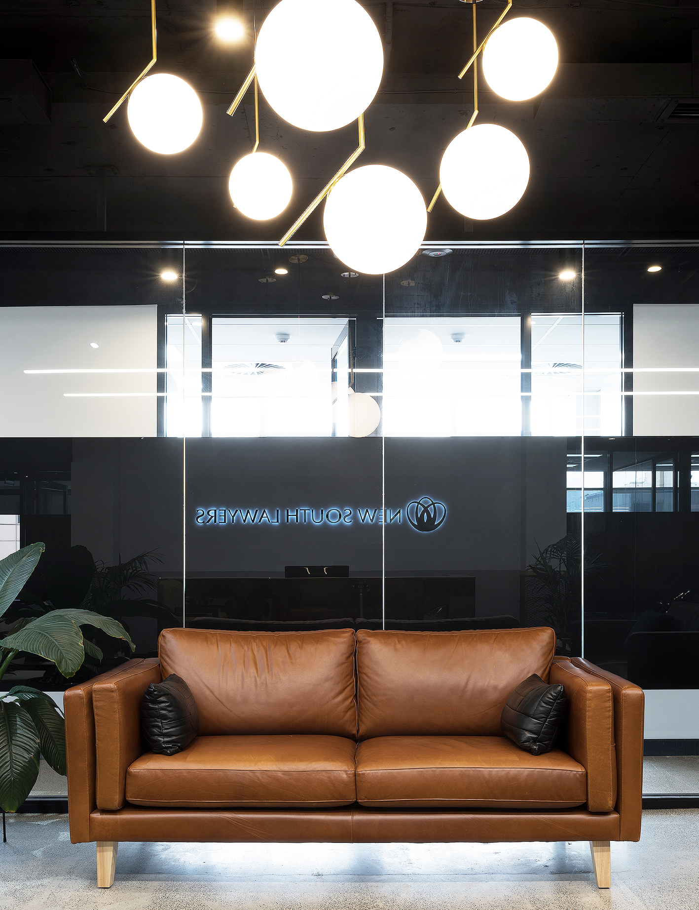 Cuir 2.5 seater – Custom designed / created lounge