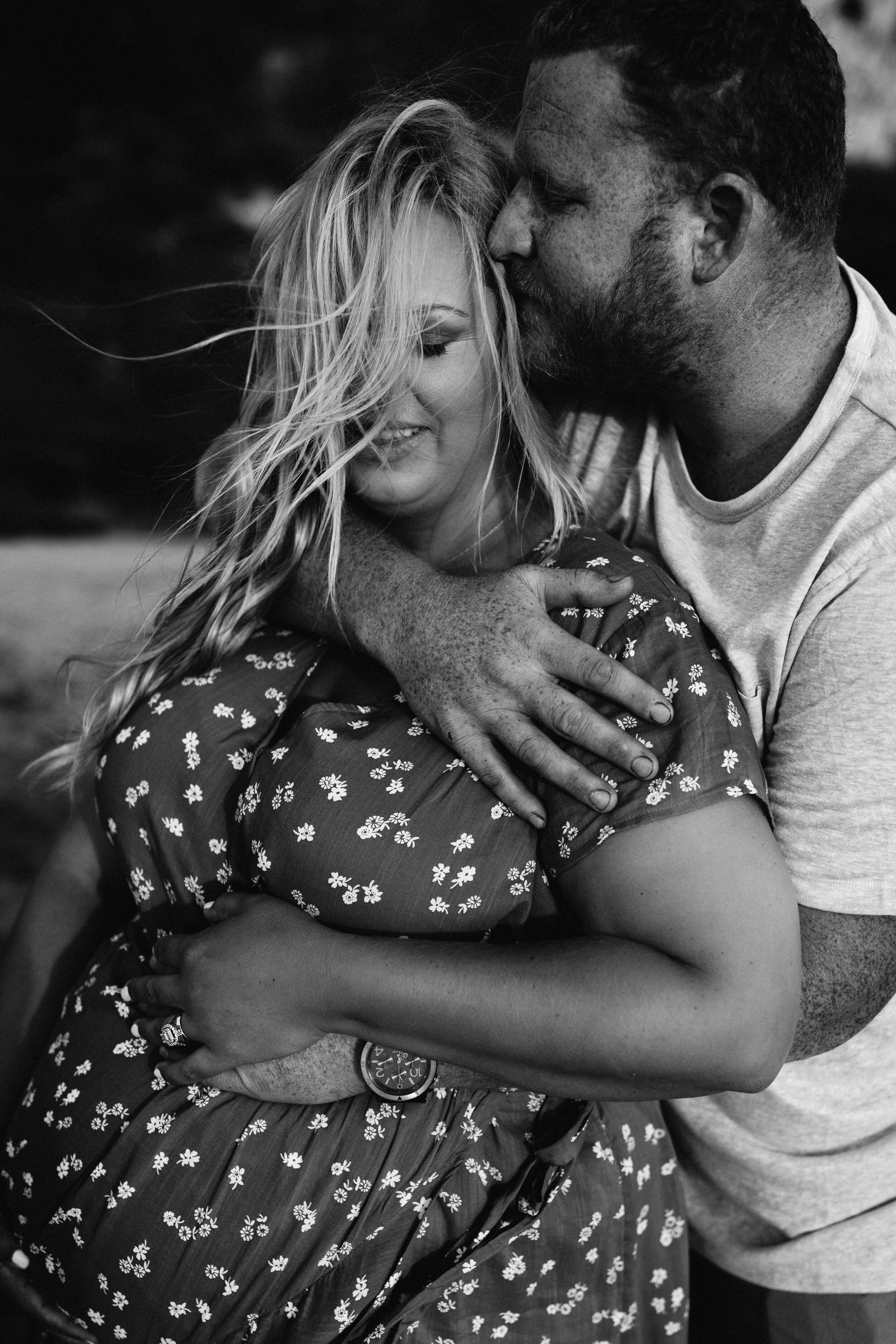 romantic maternity photoshoot