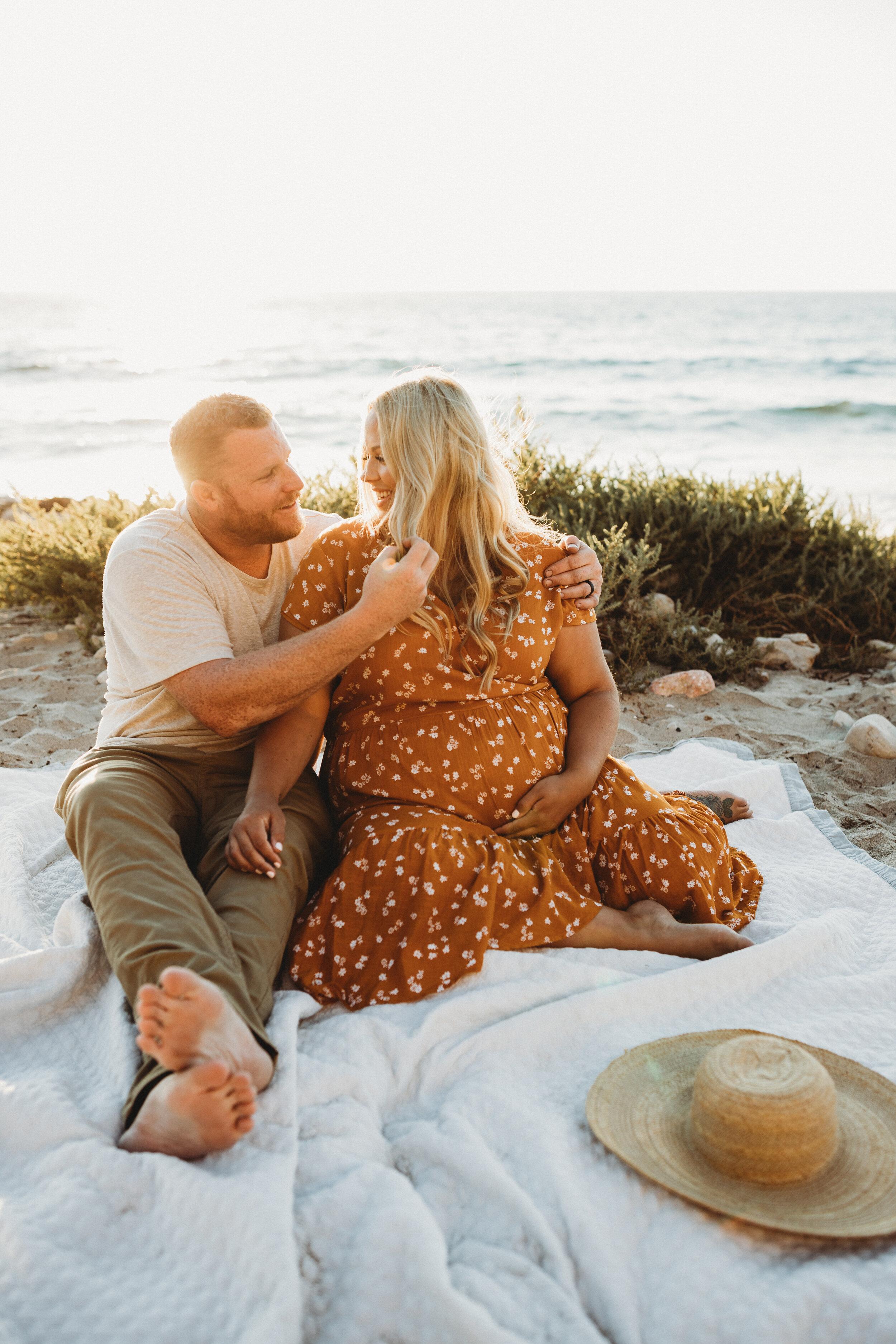 kissing on beach - Lindsay Petty Photography