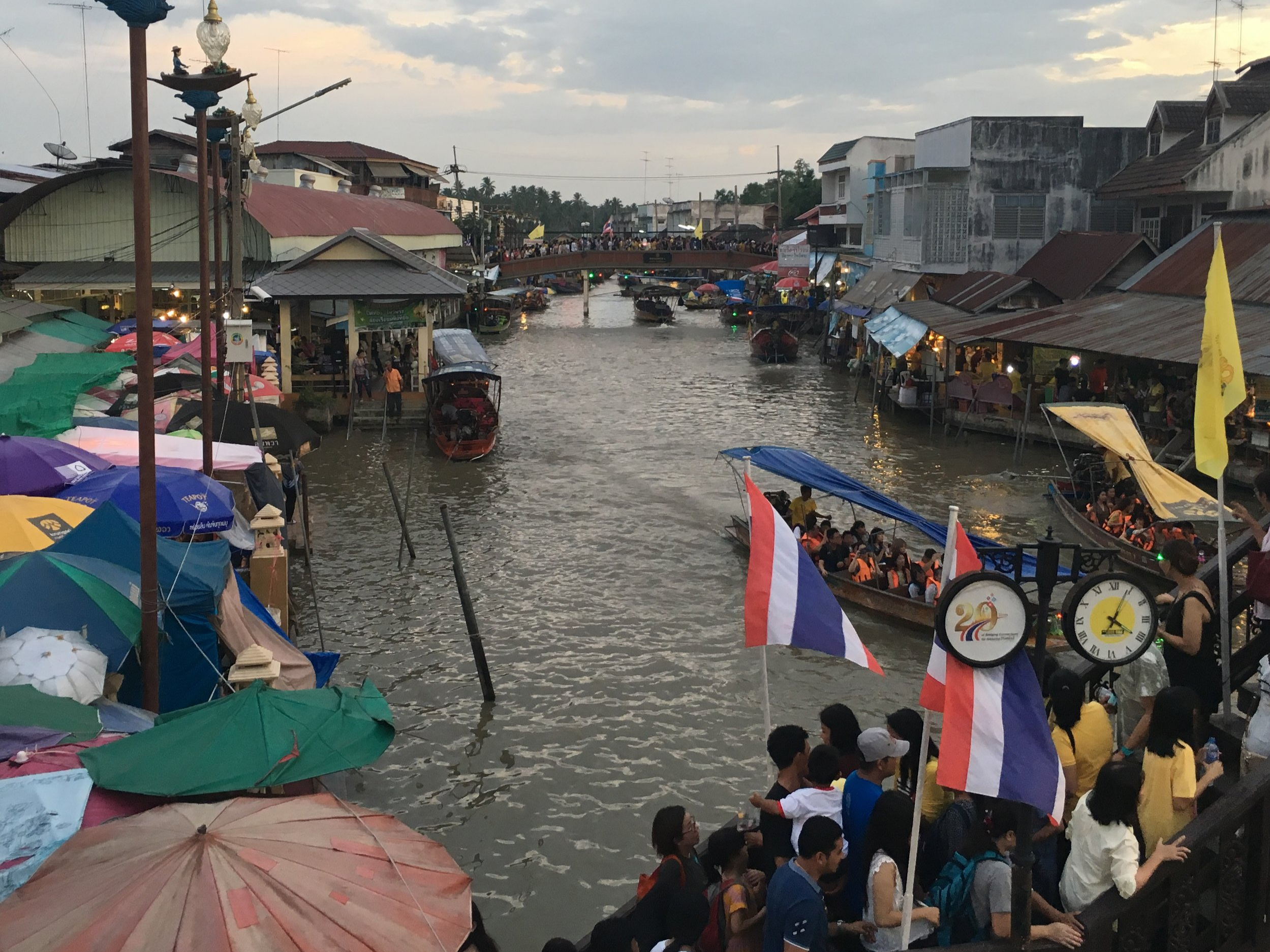 Amphawa Floating Market in Samut Songkhram, Thailand