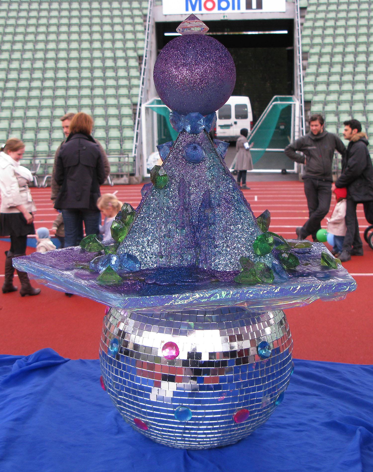 giant-bowl-inflatable-sculpture-strandberg-danielle-37.jpg